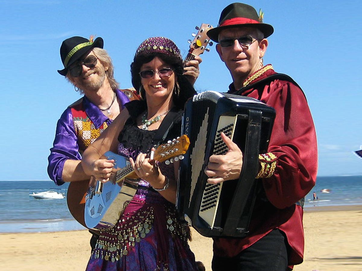 french party band music sunshine coast brisbane gold-coast
